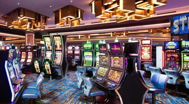 Why Some Individuals Almost Always Make/Save Cash With Online Casino